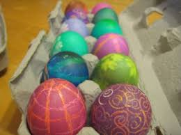how to color easter eggs how to dye easter eggs with regular or natural paint eggtutor