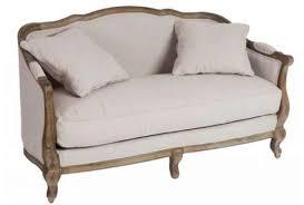 canapé romantique beige maison cosy