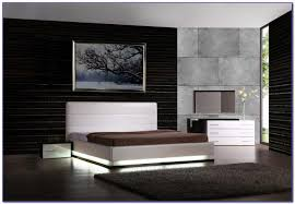 Modern White Leather Bedroom Furniture Bedroom  Home Design - Modern white leather bedroom set