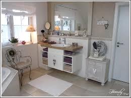 badezimmer im landhausstil bad landhausstil bequem auf moderne deko ideen in unternehmen mit