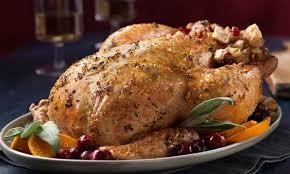 cuisiner un poulet entier poulet entier rôti au beurre de sauge et farce à l érable et aux