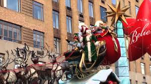 thanksgivings day parade santa and mrs clause in the macy u0027s thanksgiving day parade 2015