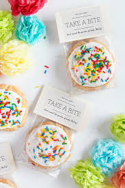 gender reveal sugar cookies gift favor ideas from evermine