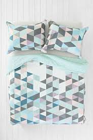 best 25 geometric bedding ideas on pinterest white quilt