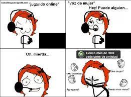 Memes Para Facebook En Espa Ol - mujer jugando online memes para facebook banco de imagenes y