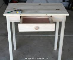 Small Desk Build A Small Space Desk Diywithrick