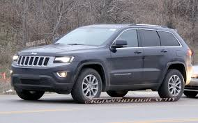 blue jeep grand cherokee caught refreshed 2014 jeep grand cherokee completely revealed