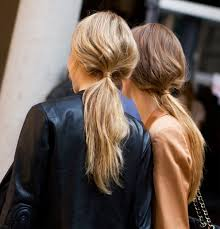 Hochsteckfrisurenen Unordentlich by The Cutest Trend To Wear You Hair Back Is This Low Pony It