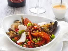 cuisiner les blancs de seiche blancs de seiche moules et palourdes façon paella recettes