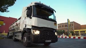 renault algerie renault trucks c transporte des hydrocarbures en algérie youtube