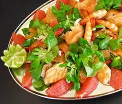cuisiner le saumon salade saumon crevettes plemousse la recette facile par toqués
