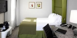 hotels on magnificent mile downtown holiday inn express chicago