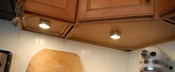 2700 kelvin led under cabinet lighting how to choose under cabinet lights for any kitchen