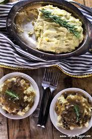 vegetarian thanksgiving gravy creamy mashed potatoes u0026 savory mushroom gravy vegan huggs