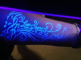 tattoos männer sprüche ist der schwarzlicht eigentlich gefahrlos