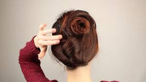 Chignon Maker 3 Ways To French Twist Hair Wikihow
