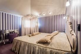 Bedroom Purple Wallpaper - 27 perfect purple bedroom design inspiration for teens and adults
