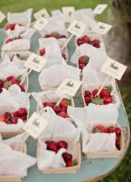 wedding favor ideas for summer 8 refreshing summer wedding favor ideas