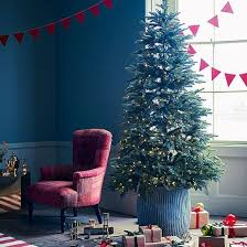 Blue Christmas Trees Decorating Ideas - 54 best christmas living rooms images on pinterest christmas