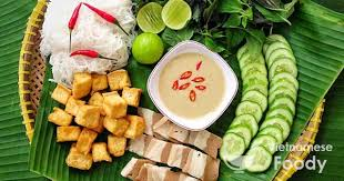 hanoi cuisine breakfast in hanoi an essential part of the cuisine