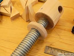 Wooden Bench Vice Parts by Making A Wooden Vise Page 2