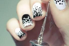 imagenes de uñas pintadas pequeñas uñas decoradas con puntos belleza y peinados