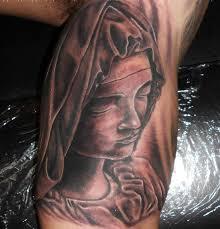 imagenes tatuajes de la virgen maria retrato de la virgen maria en el interior del brazo realizado por