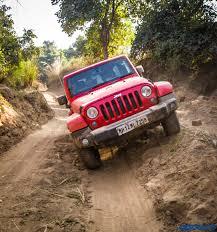 mud jeep cherokee jeep grand cherokee srt and wrangler off road experience mud