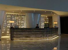 Illuminated Reception Desk 美国纽约奎恩酒店 The Quin 极致之宿 Reception Pinterest