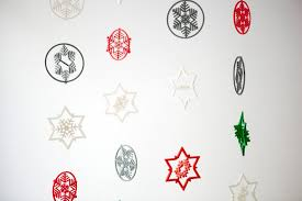 let it snow u2026 3d printed snowflake garlands brit co