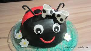 decoration cupcake anniversaire recette de pâte à sucre maison et déco de gâteau d u0027anniversaire