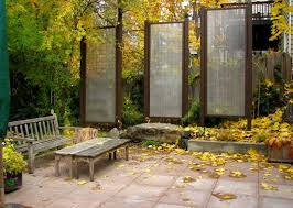 Backyard Wall How To Customize Your Outdoor Areas With Privacy Screens