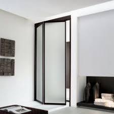 falttür küche zweiteiliger falttür aus glas für begehbaren kleiderschrank