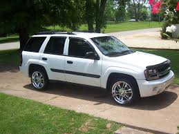 chevrolet trailblazer white 2003 chevrolet trailblazer information and photos zombiedrive