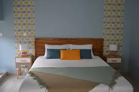 chambre jaune et bleu awesome chambre grise et jaune images antoniogarcia info