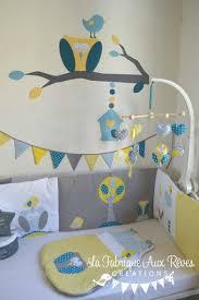 deco chambre gris et mauve décoration chambre bébé chouette hibou arbre oiseau nichoir bleu