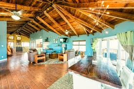 self sustaining island eco lodge in florida has its own