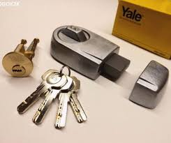 Yale Flag Yale Front Door Lock Deadbolt Nightlatch Rim Cylinder Latch New Ebay