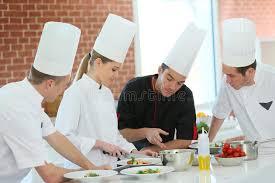 cours de cuisine avec un chef cours de cuisine avec le chef image stock image du