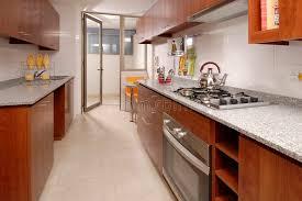 cuisine d appartement cuisine d appartement image stock image du cuiseur four 1470687