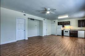 2 Bedroom Apartments In Houston For 600 Real Estate Listings Houston Tx Local Classifieds