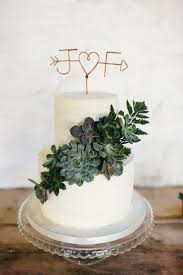 wedding cake greenery best 25 wedding cake toppers ideas on cake toppers