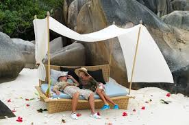 Outdoor Canopy Daybed Daydream Romantic Outdoor Canopy Daybed From Dedon U2014 Style Estate