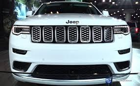 jeep cherokee sport interior 2017 2017 jeep grand cherokee summit exterior and interior walkaround