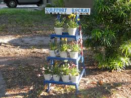 old wooden ladder turned into cool planters u2022 recyclart