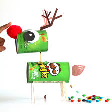 how to make a candy pooping reindeer out of pringle cans