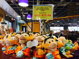 Six Flags Outlets March 2014 Photo Report Of The Disney Outlet Store Touringplans
