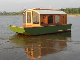 building an all wood construction 40 ft diy tiny house boat