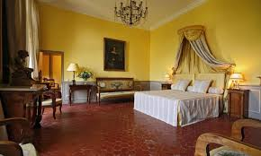 chambre au chateau bed and breakfast chambres d hôtes château de la barben avignon et