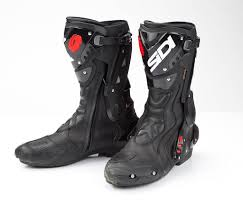 boots to ride motorcycle boots mcn